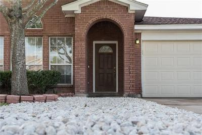 Elgin TX Single Family Home For Sale: $189,990