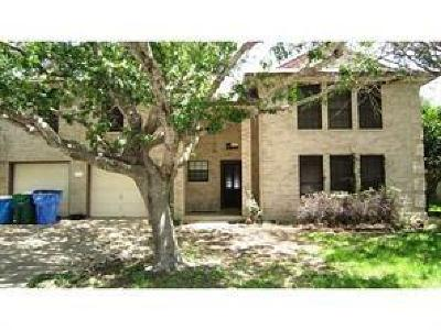 Pflugerville Single Family Home For Sale: 104 Redwood Ln
