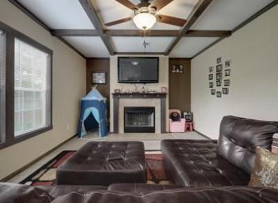 Kingsland Single Family Home For Sale: 1947 Sleepy Holw