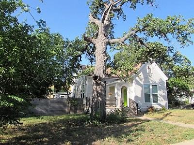 Single Family Home Pending - Taking Backups: 621 W 35th St