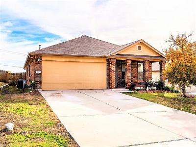 Kyle Single Family Home For Sale: 130 Chickadee Cv