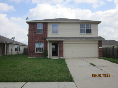 Elgin TX Single Family Home For Sale: $179,000