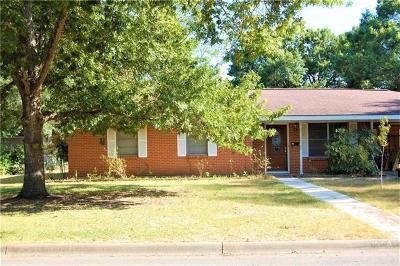 Lockhart Single Family Home Pending - Taking Backups: 1304 Woodlawn St