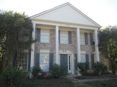 Single Family Home For Sale: 8411 Racine Trl