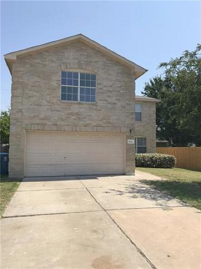 Elgin Single Family Home For Sale: 820 Lavaca Loop