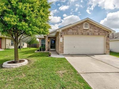 Single Family Home For Sale: 220 Pearl Lake Dr