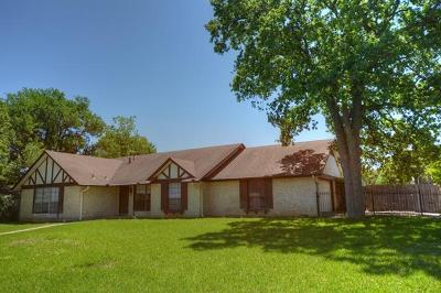 Georgetown Single Family Home For Sale: 611 Meadowbrook Dr