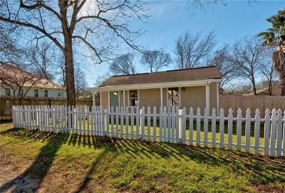 Elgin TX Single Family Home For Sale: $175,000