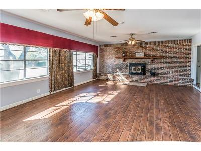 Williamson County Single Family Home For Sale: 102 Stapp St