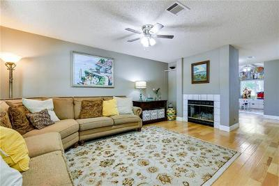 Round Rock Single Family Home For Sale: 1703 Rusty Nail Loop
