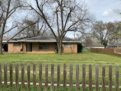 Elgin Single Family Home Pending - Taking Backups: 1107 W 2nd St