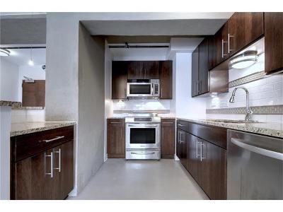 Condo/Townhouse For Sale: 800 Brazos St #909