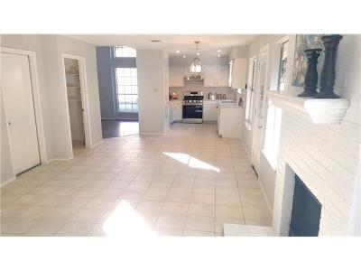 Single Family Home For Sale: 2004 Lobelia Dr