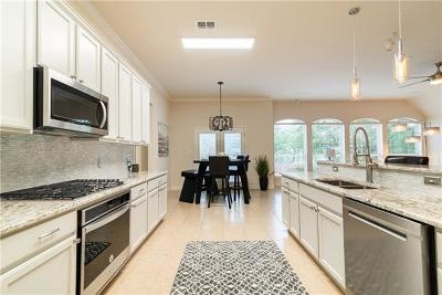 Williamson County Single Family Home For Sale: 1000 Shadow Valley Cv