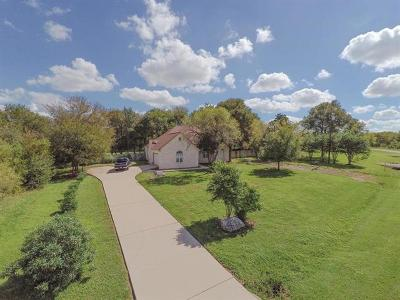 Bastrop County Single Family Home For Sale: 127 Deep Woods Dr