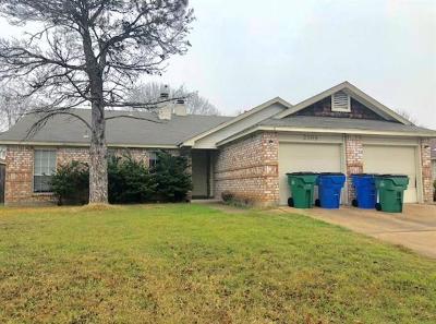 Multi Family Home For Sale: 2306 Fuzz Fairway