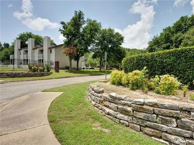 Condo/Townhouse Pending - Taking Backups: 1803 River Crossing Cir #D