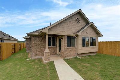 Bastrop Single Family Home For Sale: 124 Trailstone Ln