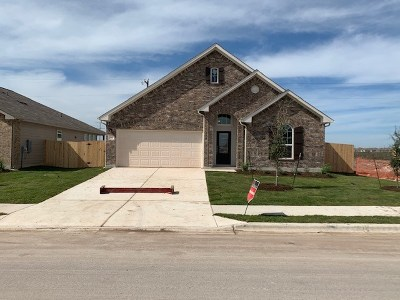 Hutto Single Family Home For Sale: 615 Carol Dr