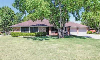 Lockhart Single Family Home For Sale: 1511 Parkview Dr
