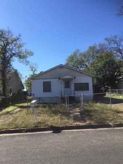 Single Family Home Pending - Taking Backups: 409 Delmar Ave