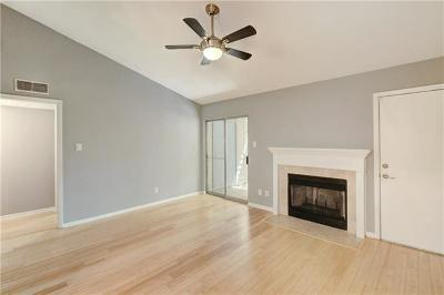 Hays County, Travis County, Williamson County Condo/Townhouse Pending - Taking Backups: 3204 Manchaca Rd #604