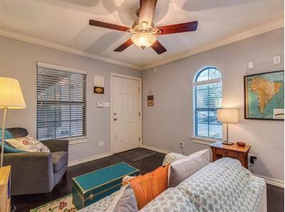 Austin Condo/Townhouse Pending - Taking Backups: 407 E 45th St #116