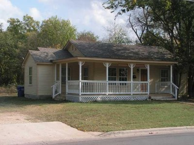 Bastrop Single Family Home For Sale: 1811 Main St