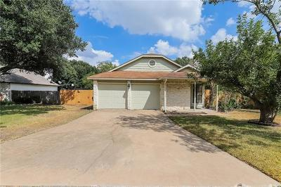 Round Rock Single Family Home For Sale: 605 Meadowcreek Cir
