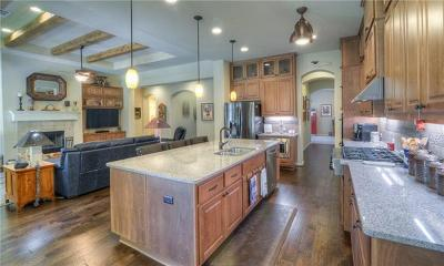 Lago Vista Single Family Home For Sale: 7607 Pace Ravine Dr