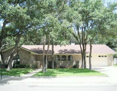 Cedar Park Single Family Home For Sale: 305 E Park St