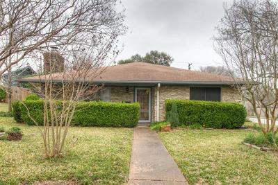Single Family Home For Sale: 804 Riddlewood Dr