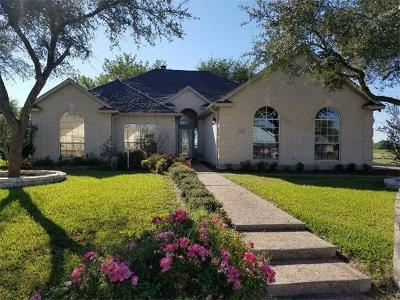 Lockhart Single Family Home For Sale: 1610 Meadow Ln