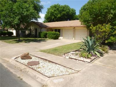 Single Family Home For Sale: 8906 Hunters Trce