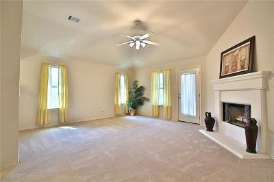 Hutto Single Family Home For Sale: 300 Grisham Dr