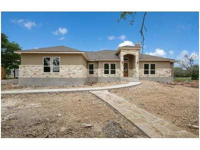 New Braunfels Single Family Home Pending: 1013 Bridlewood