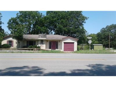 Giddings Single Family Home For Sale: 615 S Main St