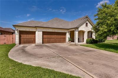 Single Family Home For Sale: 313 Hogg Pecan Pass