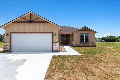 Burnet County Single Family Home For Sale: 105 Hunter Loop