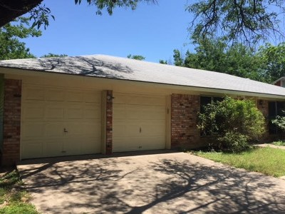 Travis County Single Family Home For Sale: 2608 Pinewood