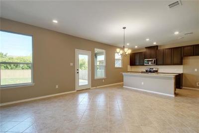 Pflugerville Single Family Home For Sale: 210 Kaden Prince Dr