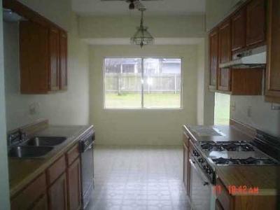 Pflugerville Single Family Home For Sale: 1203 York Castle Dr