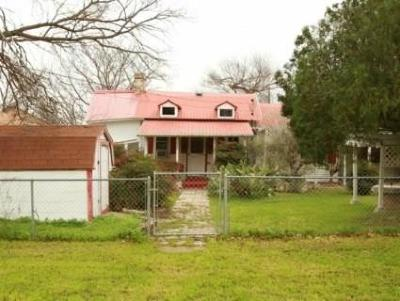 Lampasas Single Family Home For Sale: 505 1/2 S Main