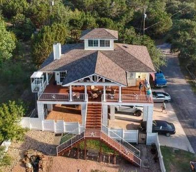Single Family Home For Sale: 20708 Lakeshore Dr E