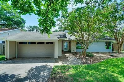 Single Family Home Active Contingent: 11801 Three Oaks Trl