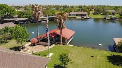 Burnet County Single Family Home For Sale: 117 Web Isle Dr