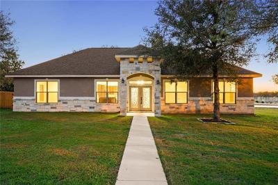 Seguin Single Family Home Pending - Taking Backups: 1310 Hunters Ct