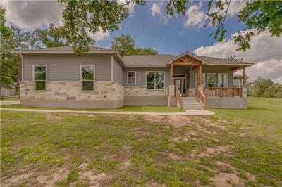 Bastrop Single Family Home For Sale: 141 N Buckhorn Dr