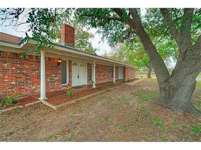 Lockhart Single Family Home For Sale: 5214 Old McMahan Rd