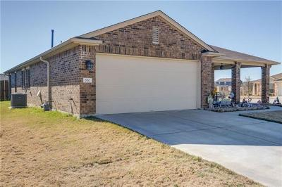 Bastrop County Single Family Home For Sale: 100 Carbine Ct